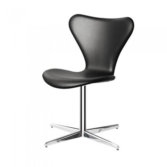 Cadeira Jacobsen Estofada...
