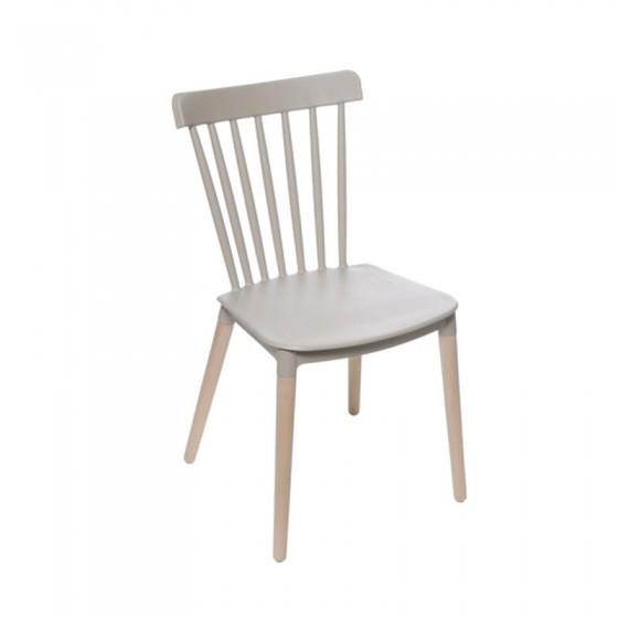 Cadeira Escandinava